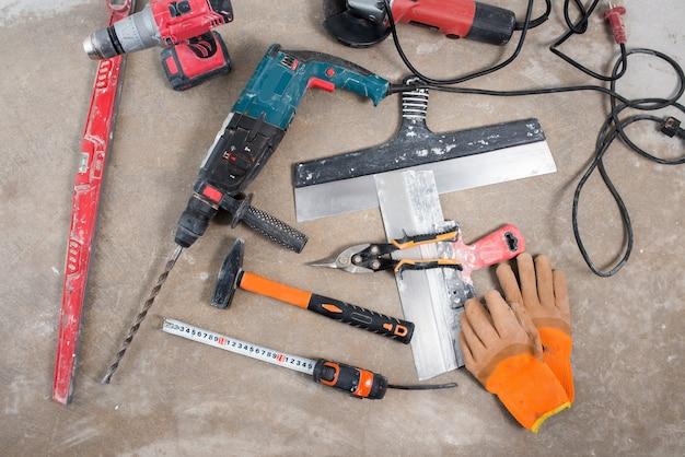 건설 도구 세트, 리노베이션 중 콘크리트 바닥에 건설 레이아웃
