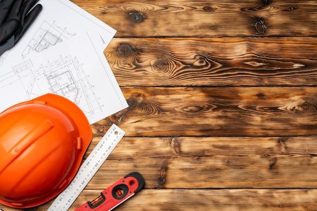 건설 노동자 안전모 청사진 및 나무에 .construction 수준 평면도