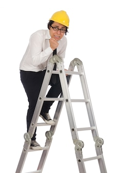 Строительный рабочий в смешной концепции на белом