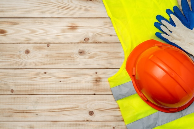 건설 노동자 설정 안전모 및 형광 조끼 평면도