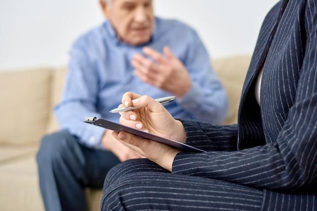 Consulting senior patient