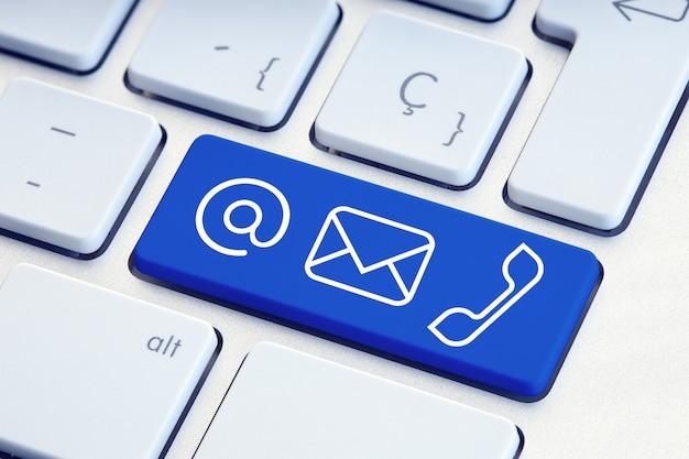 青いコンピュータのキーボードキーのサインのセットをお問い合わせください。電子メール、郵送、電話の概念