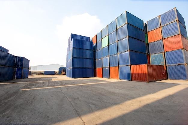 Контейнерный ящик с грузового корабля для импорта-экспорта и хранения грузовых перевозок