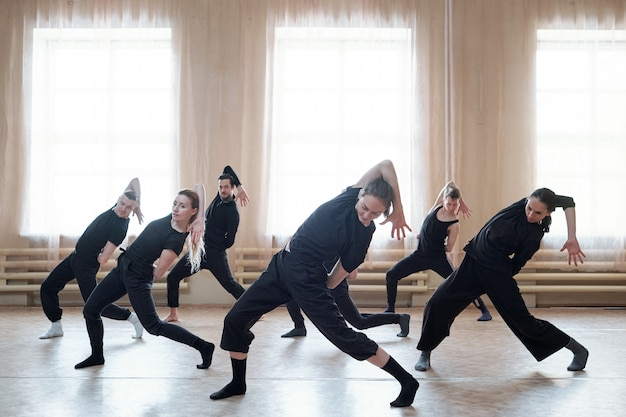 コンフォートダンスチームのリハーサル