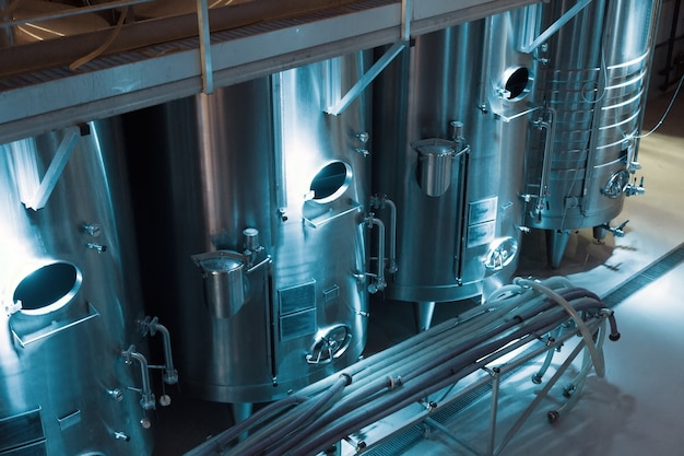 ワインメーカーの現代的な樽