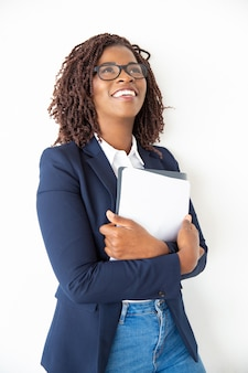 Carte e cercare contenti della tenuta della donna di affari