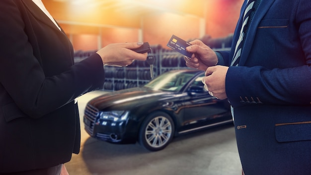Contract between the client and the seller for the sale or lease of a new car.