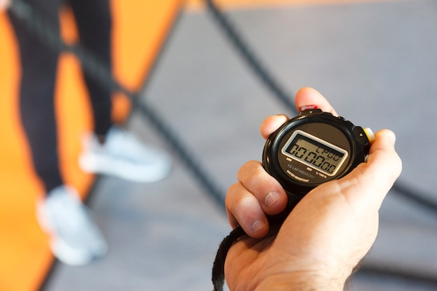 体育館での運動時間の管理