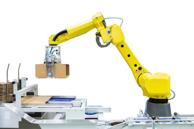生産ラインメーカーの工場でアプリケーションを実行、ディスペンス、マテリアルハンドリング、およびパッケージングするための産業用ロボットアームのコントローラー。 (クリッピングパスあり)