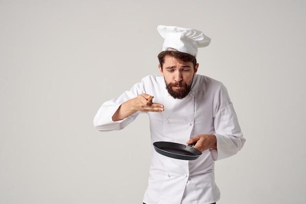 Готовить с посудой ресторан кухня работа