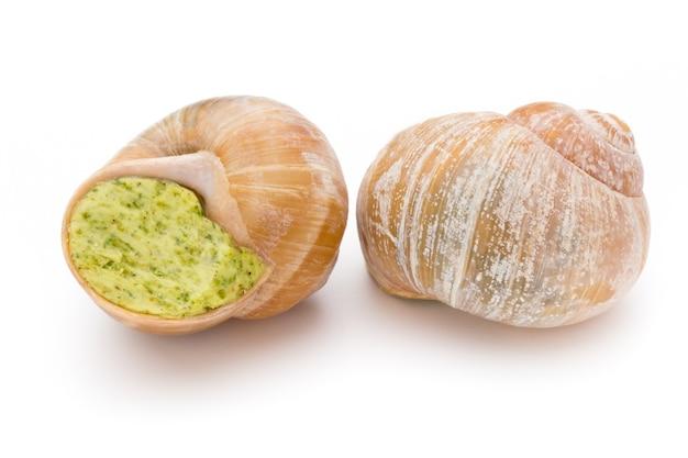 調理されたカタツムリの珍味。フランス料理のカタツムリの詰め物。