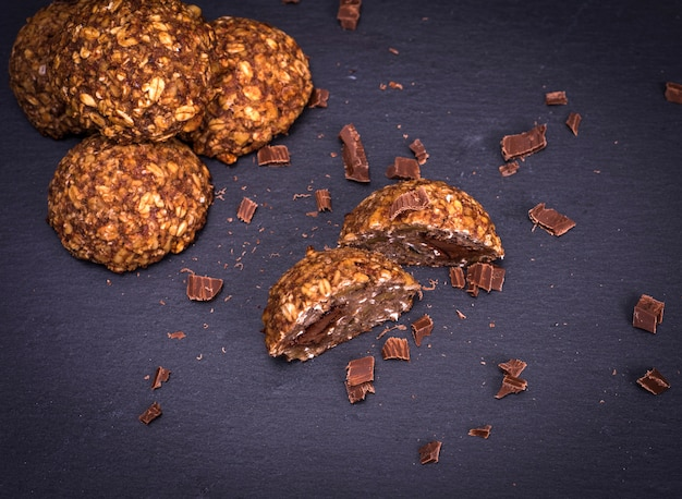 Cookies from oat flakes and chocolate