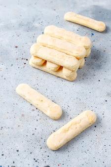 クッキーladyfingers、甘いスポンジケーキ、トップビュー
