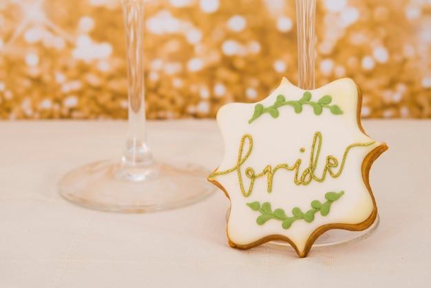 Печенье в форме сердца на свадьбу или день святого валентина