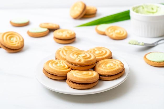 パンダンとミルククリームのクッキー