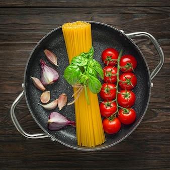 Готовим настоящую итальянскую пасту. ингредиенты для спагетти