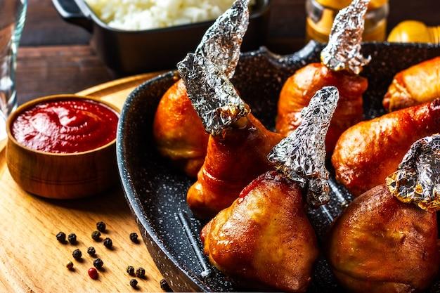 Cooking chicken legs in foil