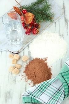 나무 테이블에 크리스마스 쿠키 요리
