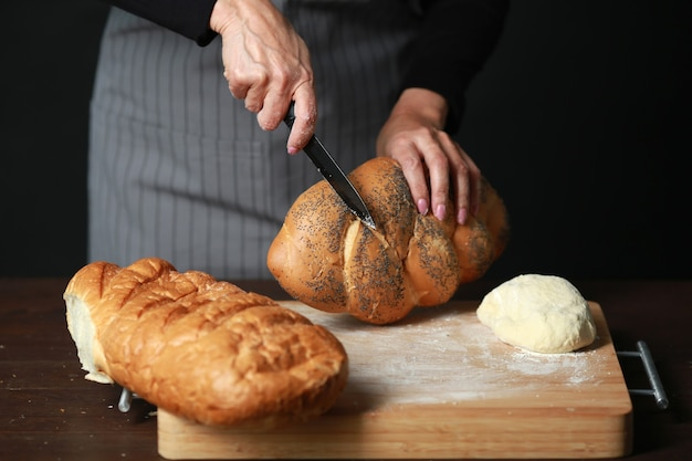 Приготовление свежего хлеба из муки