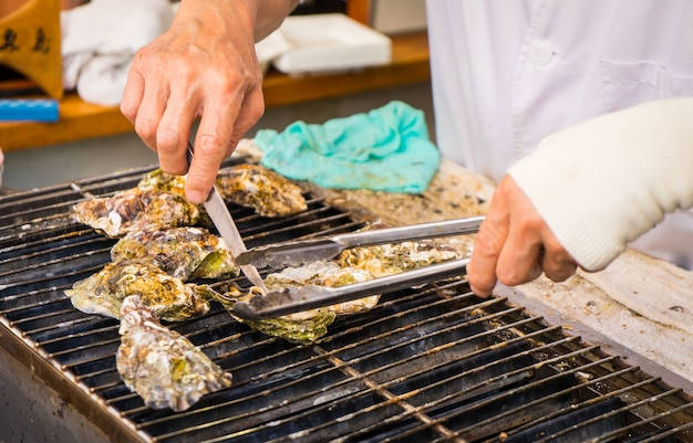 Cooking japanese oysters
