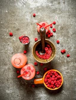 Cooking raspberry juice.