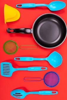 赤の台所で調理器具
