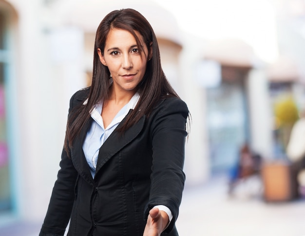 Прохладный деловая женщина приветствие знак