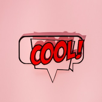 Прохладный комический текст пузыря речи на розовом фоне