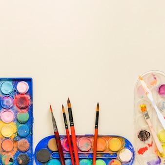 Collezione di strumenti per artisti copia-spazio