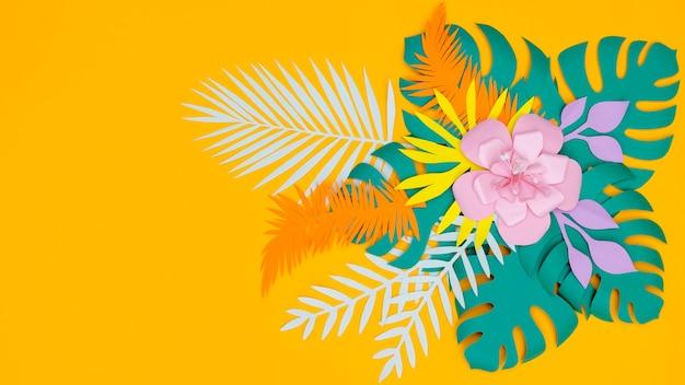 Copia-spazio fiori di carta fiori e foglie