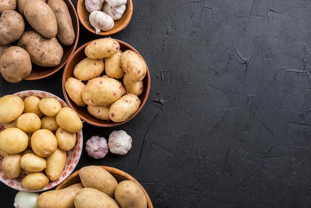 Copy-space чаши с картошкой