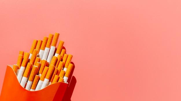 Pacchetto copia-spazio con sigarette