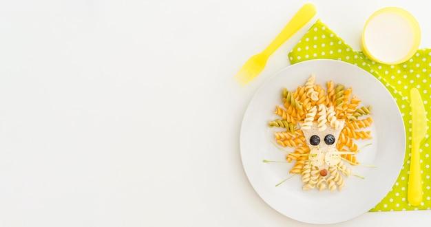 Копи-пространство тарелка с фузилли