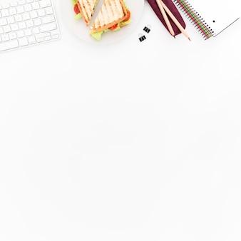 Piastra per copia-spazio con toast