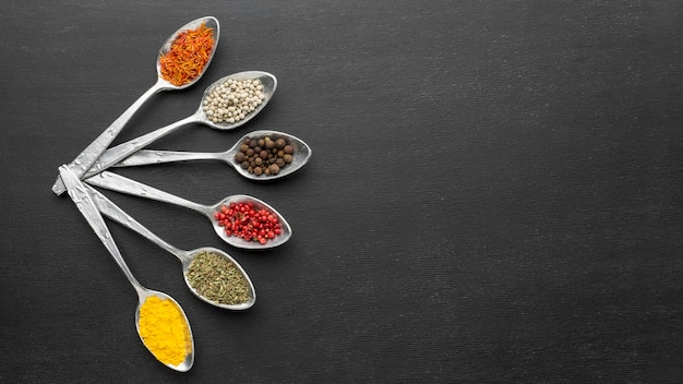 Copy-space spoons with powder condiments