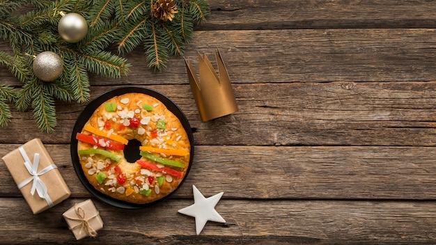 Copia spazio dolce dessert della giornata spagnola dell'epifania
