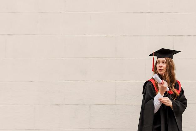 卒業式でコピースペース少女