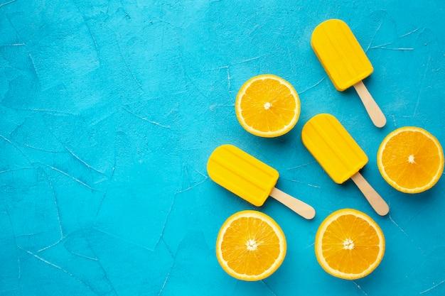 Copy-space мороженое с апельсиновым вкусом