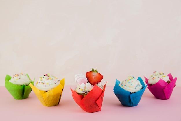 誕生日ケーキと上のcopyspace