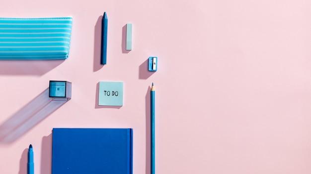 Copyspaceと学用品のトップビュー