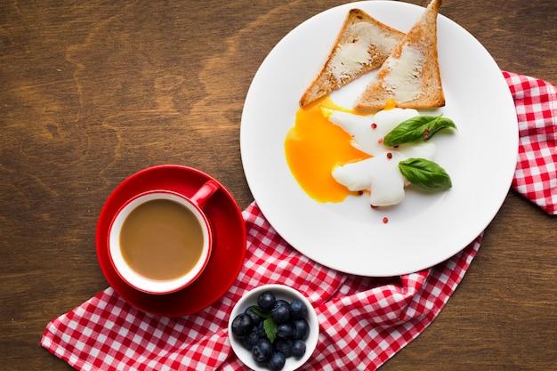 Плоская композиция для завтрака с copyspace