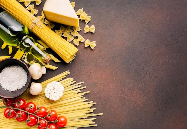 フラットレイアウトのイタリア料理とcopyspace