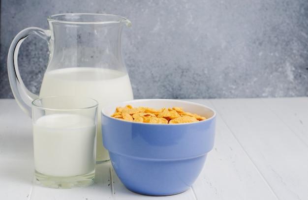 콘플레이크와 우유