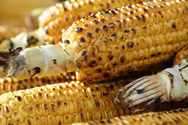 穂軸上のトウモロコシ