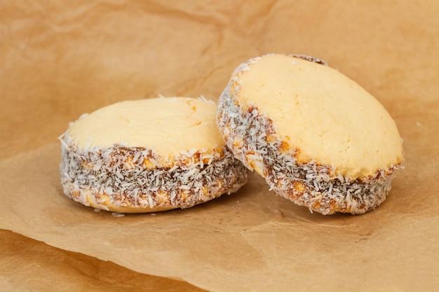 Cornstarch sandwich cookie filled with creme caramel
