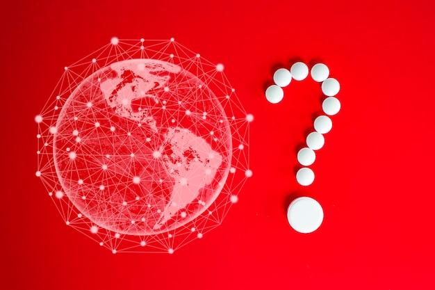 코로나바이러스 2019-ncov 새로운 코로나바이러스 개념은 아시아 독감 발병 및 코로나바이러스 인플루엔자를 위험한 독감 변종 사례 전염병으로 처리할 수 있습니다. 물음표 형태의 흰색 알약, 빨간색 지구.