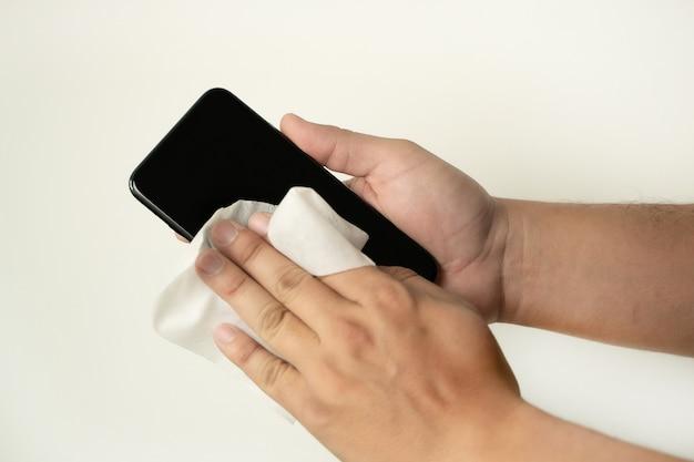 Коронавирусная очистка экрана мобильного телефона от вируса covid-19 профилактика коронавируса