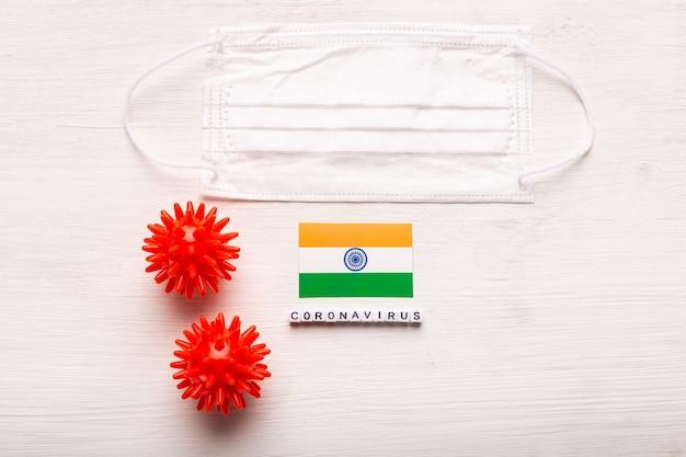 코로나 바이러스 covid 개념 평면도 보호 호흡 마스크 및 인도의 국기
