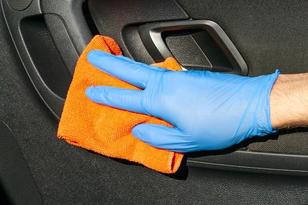 コロナウイルスまたはcovid-19車の消毒。