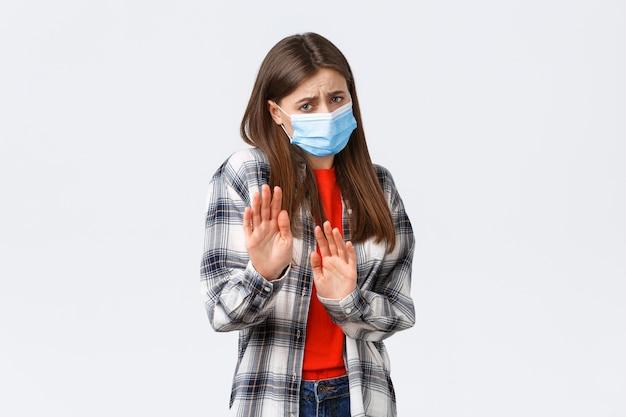 コロナウイルスの発生、検疫の余暇、社会的距離と感情の概念。